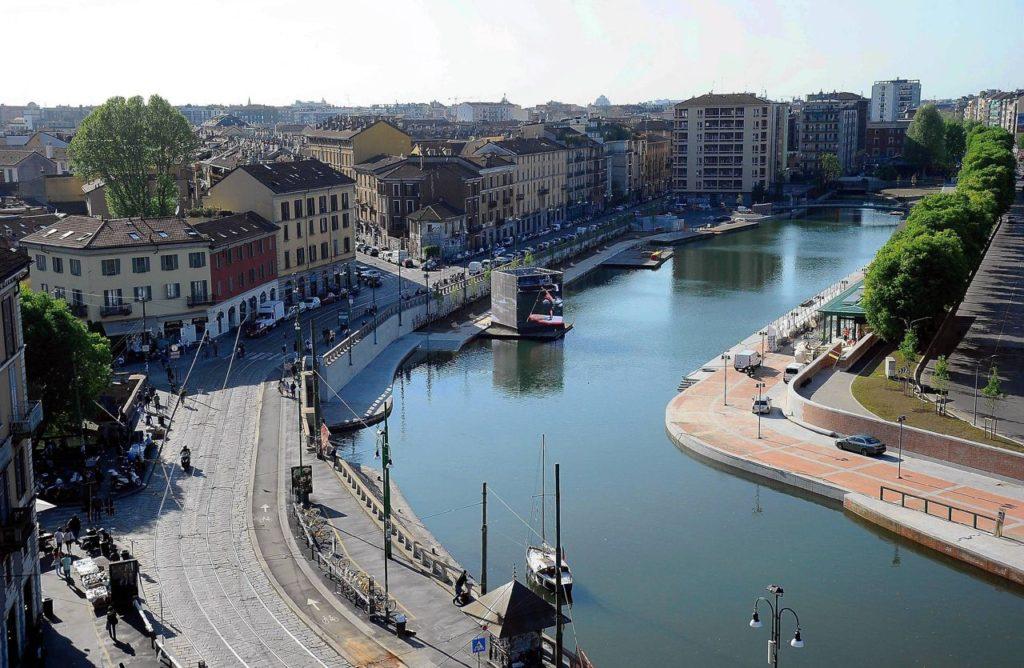Milano - il Naviglio Grande e la nuova Darsena, non troppo distanti dalla sede di gioco.